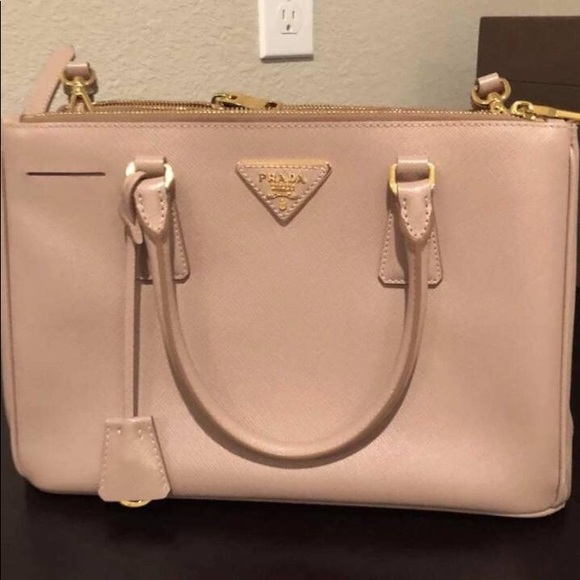 552816075cd4 Authentic Prada Saffiano Medium Tote
